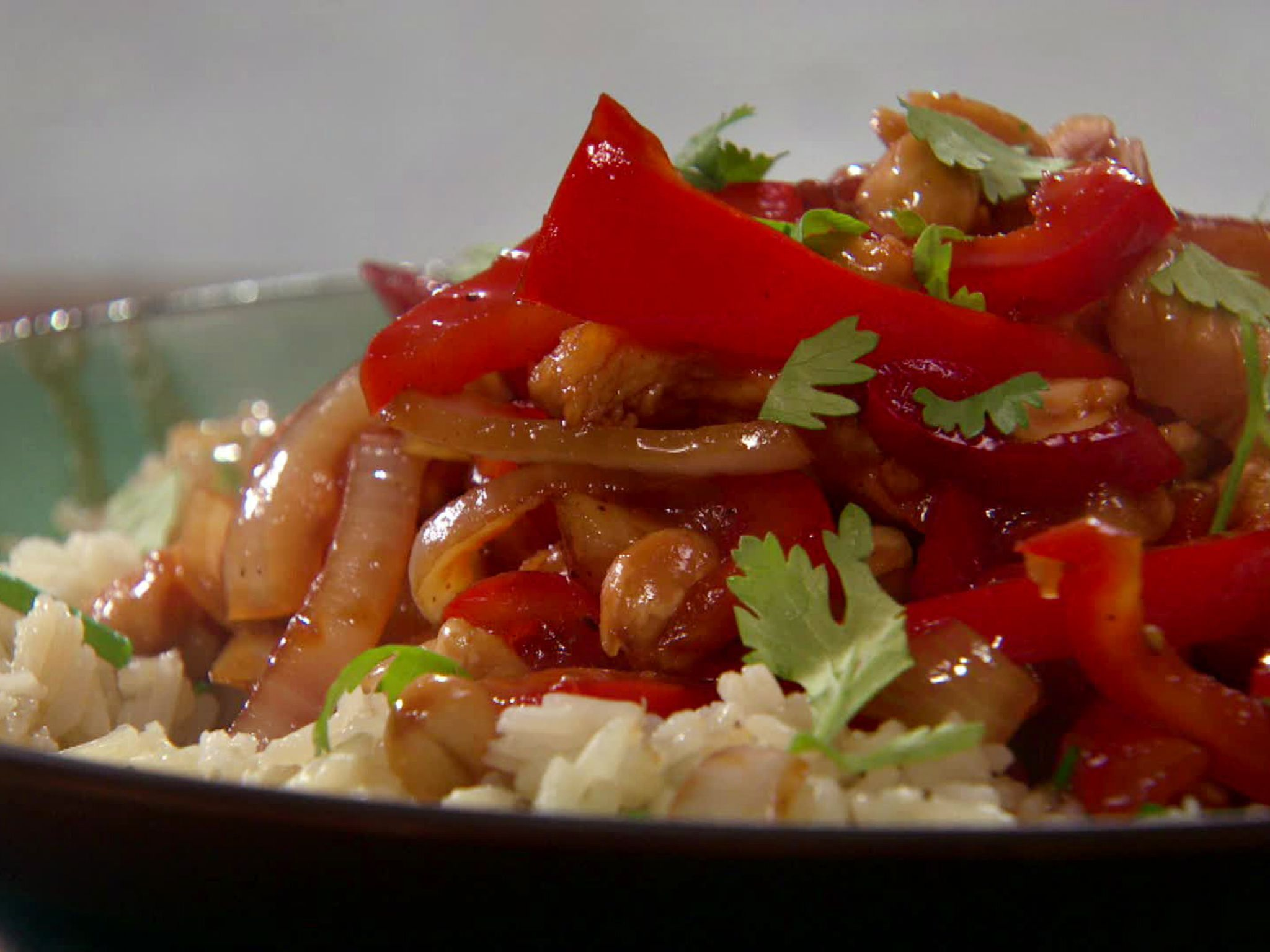 Asian barbecued chicken stir fry with peanuts and rice receta forumfinder Image collections