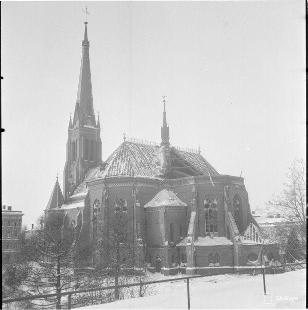 Viipurin Tuomiokirkko pommitusten jälkeen 5.2.1940 – Kuva: SA-kuva