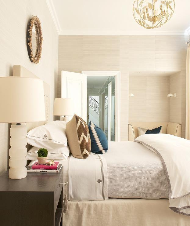 Bedroom Nook Bedroom Paint Colors Cream Bedroom Door Feng Shui Wallpaper For Boy Bedroom: Cream And Brown Bedroom Features A Wall Clad In Light