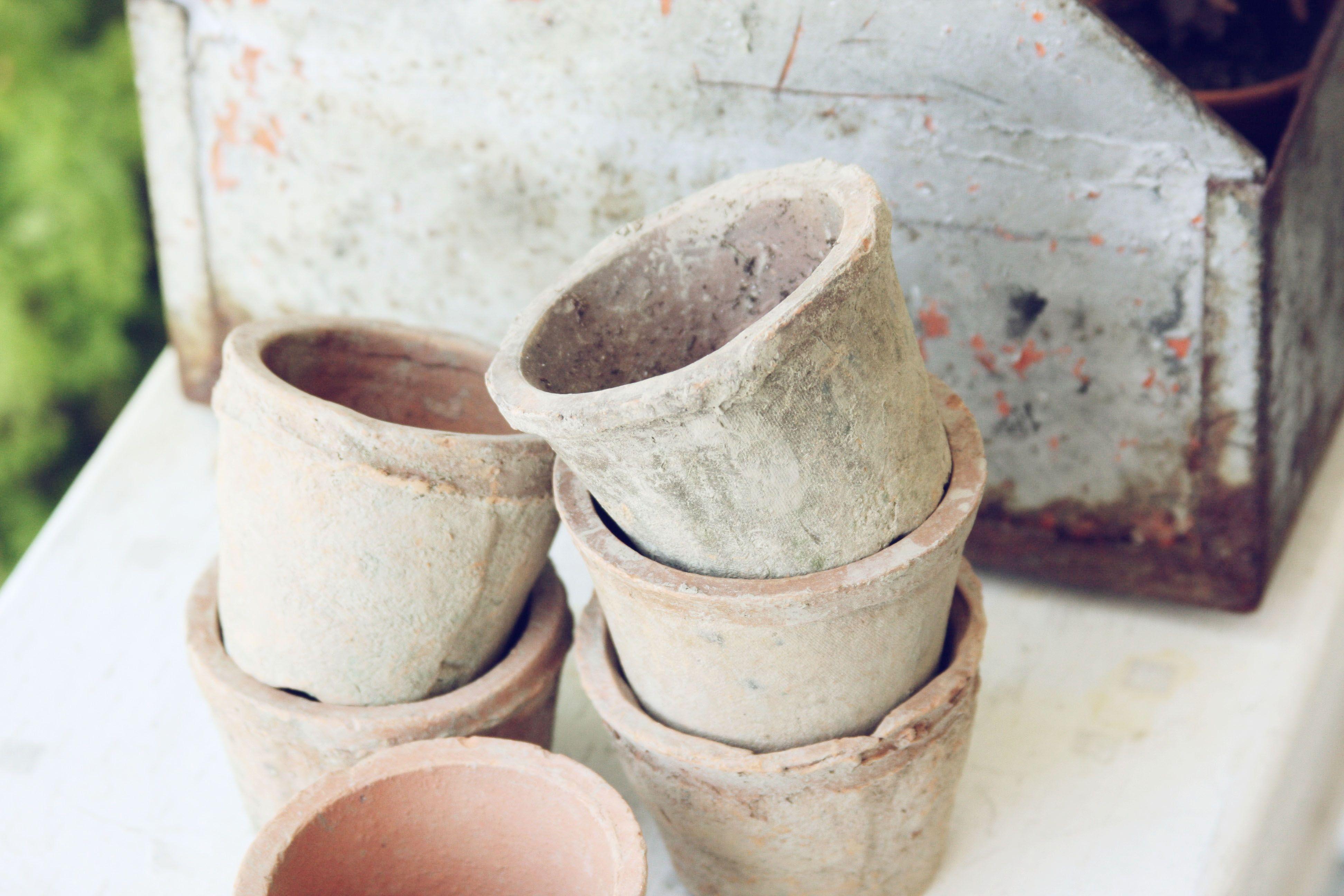 Vintage Flower Pots~   blondiensc.etsy.com