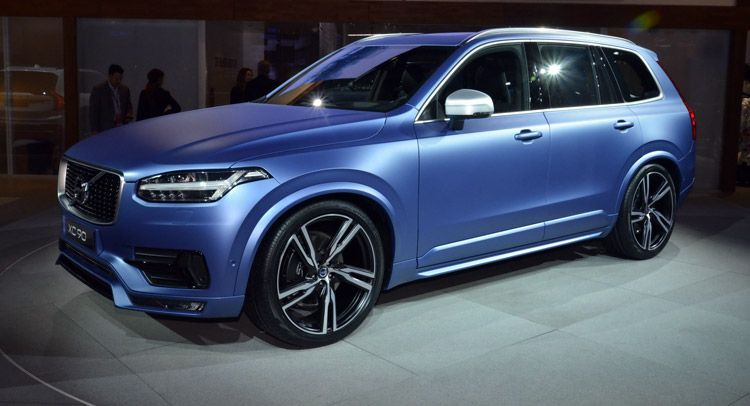 Volvo S 2016 Xc90 R Design Makes North American Debut In A Cool Matte Blue Shade Carscoops Volvo Xc90 Volvo Volvo Cars