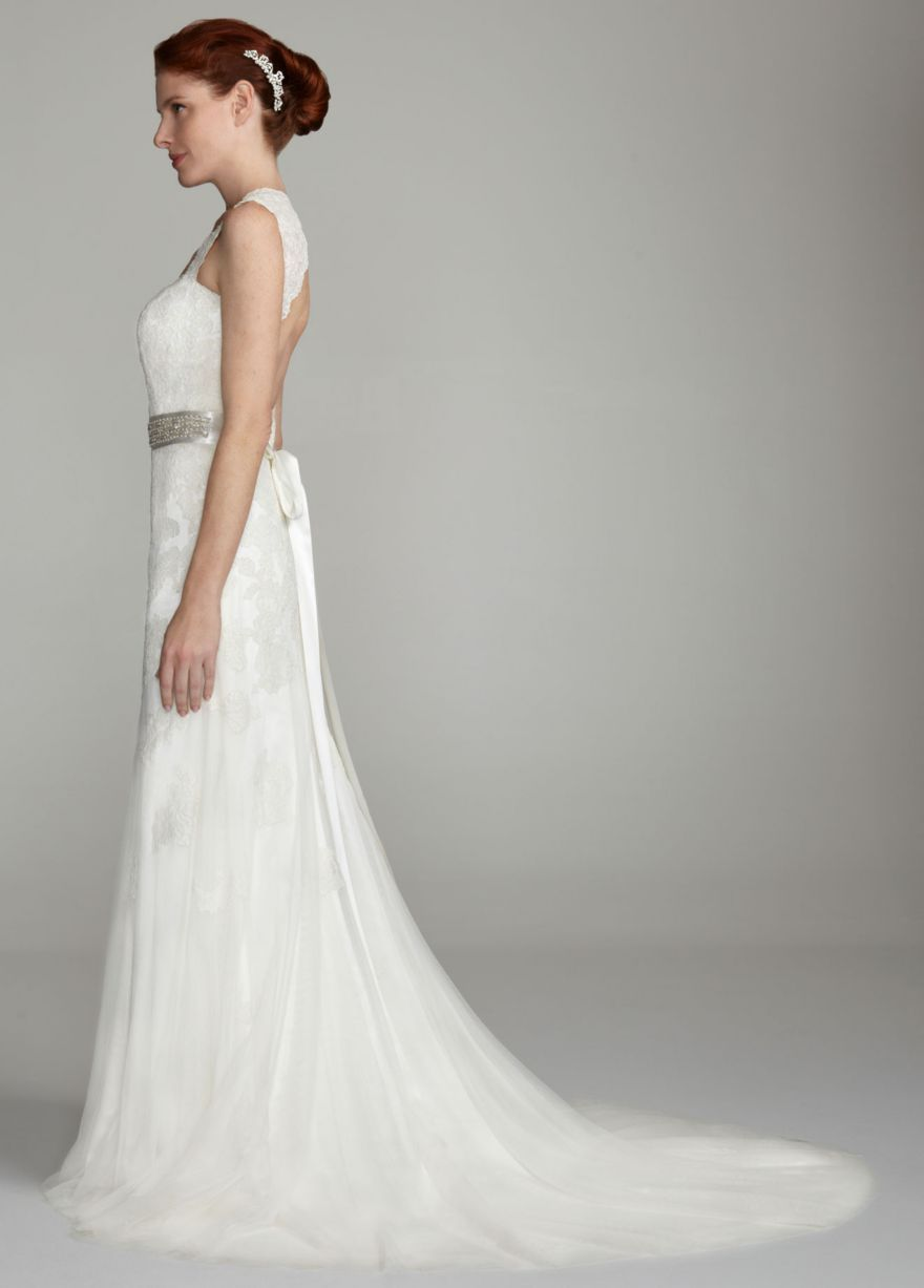 Capsleeve slim gown with keyhole back davidus bridal fall