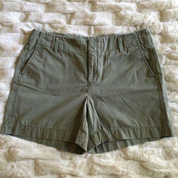"""GAP green khaki shorts  GAP green khaki shorts • size 14 • 5 1/2"""" inseam • worn once GAP Shorts"""