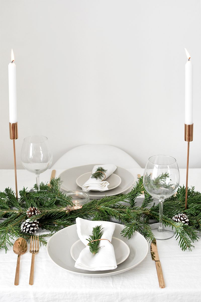 How To Create A Modern Christmas Tablescape Christmas Table Settings Christmas Table Modern Christmas