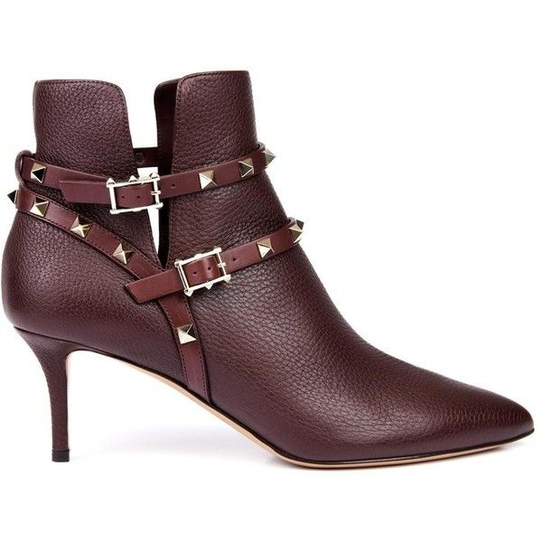 VALENTINO Rockstud leather ankle boots (86.565 RUB) ❤ liked on Polyvore featuring shoes, boots, ankle booties, burgundy, leather boots, short boots, pointy-toe ankle boots, burgundy leather boots and leather bootie