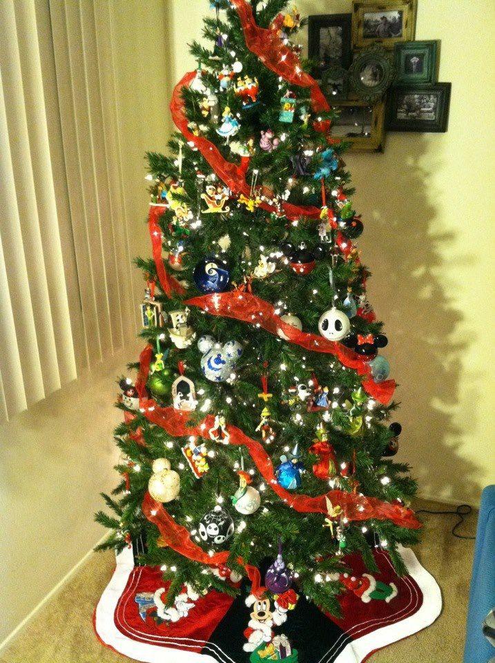 Disney Christmas tree. Disney ornaments. Disney tree skirt. - Disney Christmas Tree. Disney Ornaments. Disney Tree Skirt. Xmas