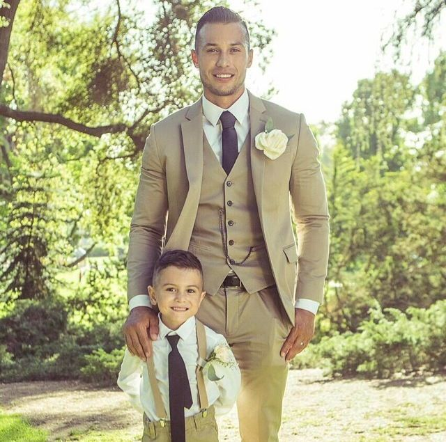 Father son. In tan suits | Wedding stuff | Pinterest | Bodas ...