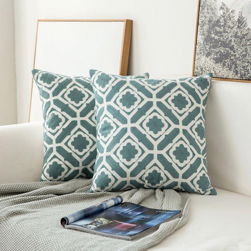 Cuscini Bianchi.Cuscino Ricamato Per La Decorazione Domestica Grigio Blu Bianco