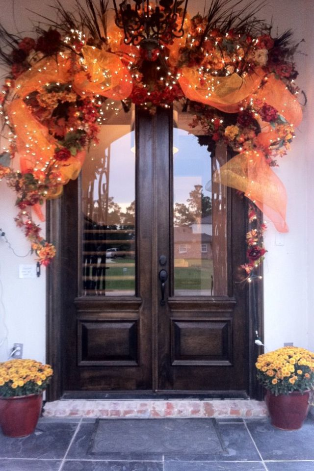 Fall Door Oh My Goodness The Doors Must Open To The Inside Cheap Fall Decor Fall Decorations Porch Fall Outdoor Decor