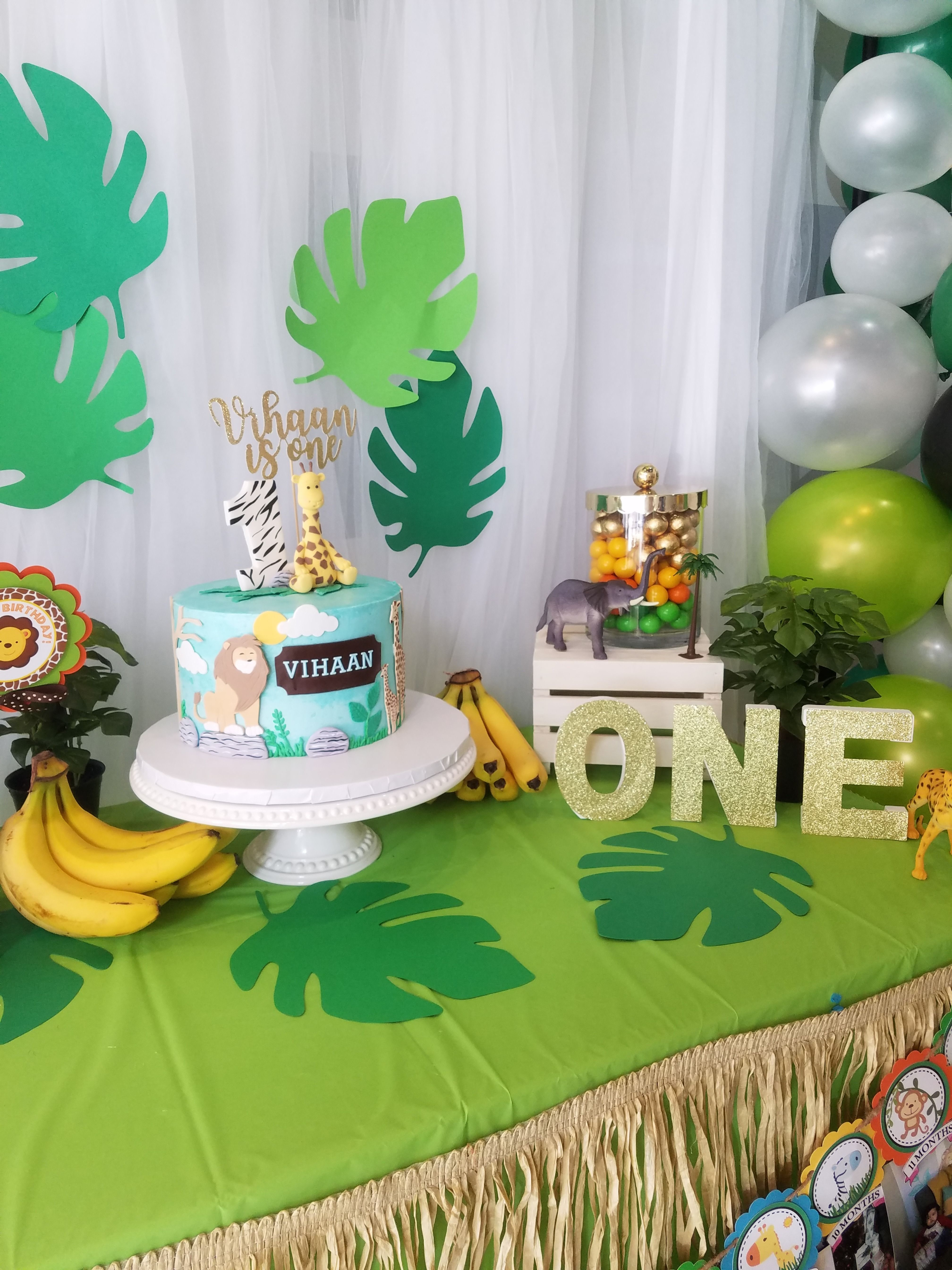 Jungle Theme Cake Table With Images Jungle Theme Cakes Themed