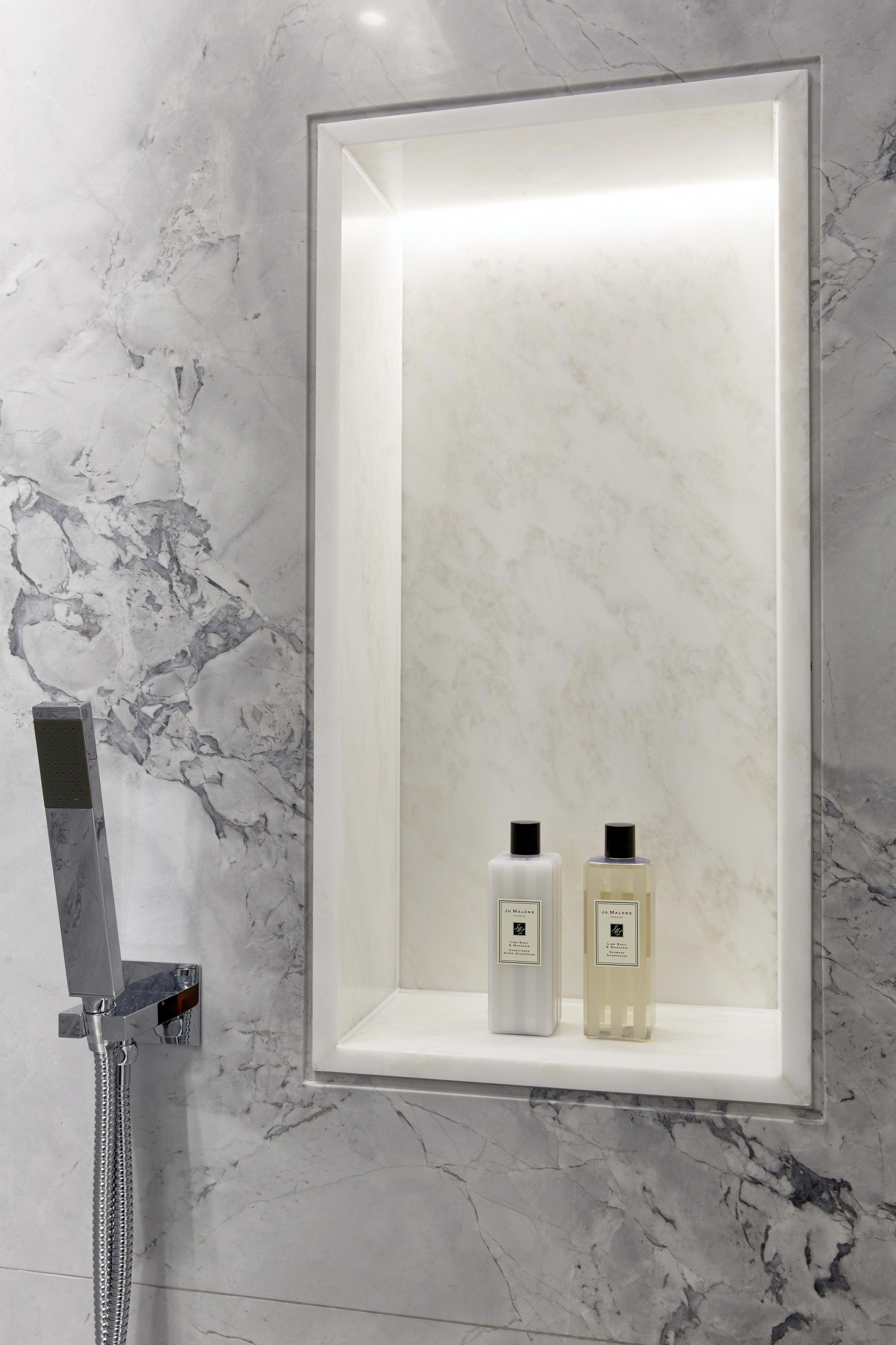 Prepare Your Bathroom For 2019 With The Best Lighting Decor Www Lightingstores Eu Vis Bathroom Inspiration Decor Bathroom Recessed Lighting Bathroom Decor