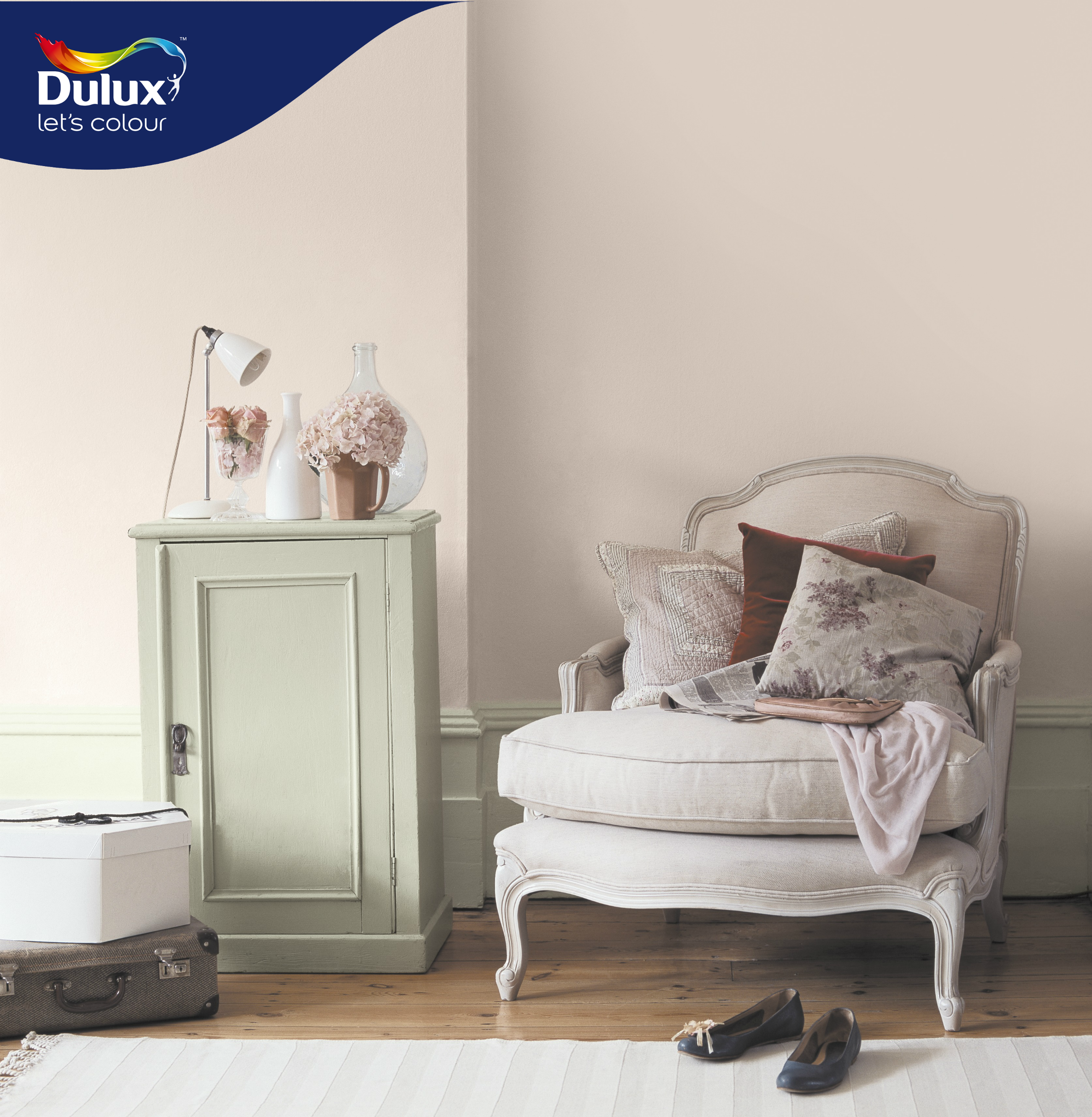 Bring out the lady within you with soft hues of white and vanilla dulux white
