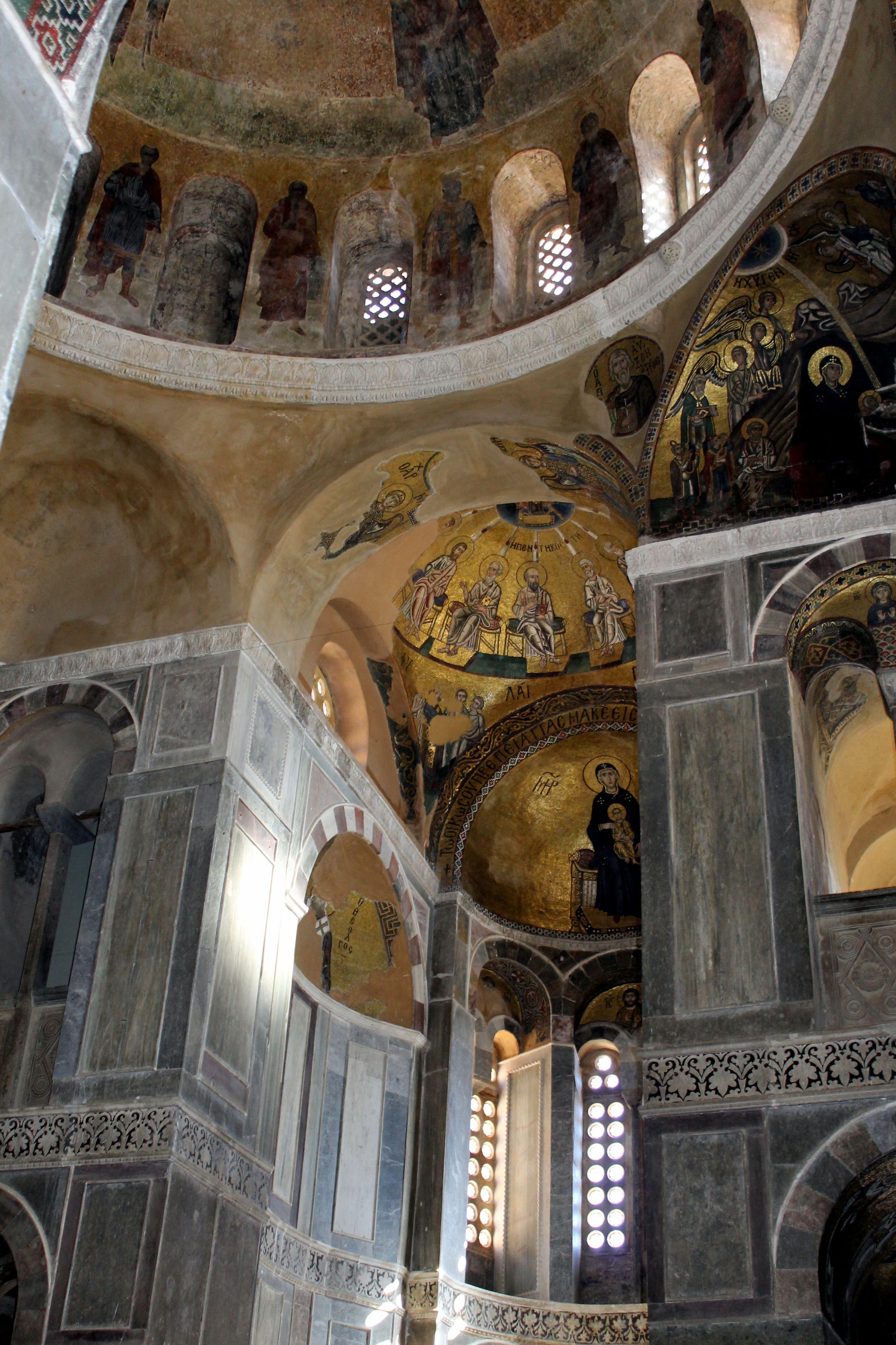Osios Loukas interior. Photo: Helen Miles Mosaics