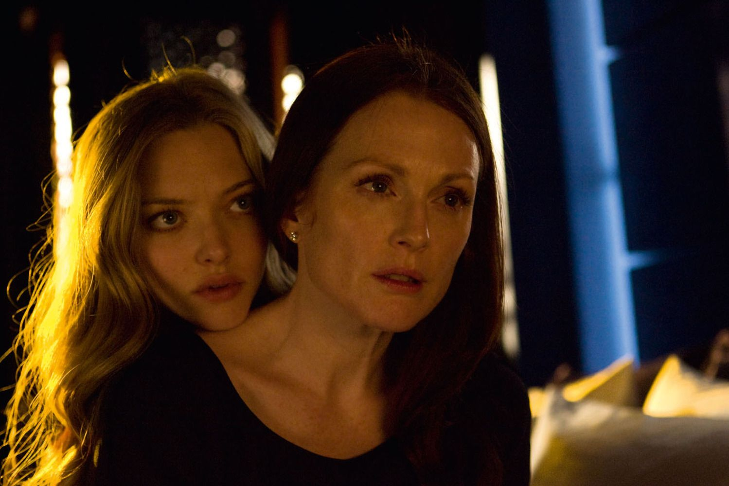 Amanda Seyfried Chloe Scene amanda seyfried and julianne moore in chloe (2009) - a
