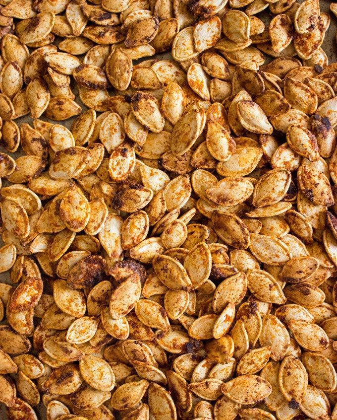 Spicy Jalapeño Roasted Pumpkin Seeds #roastedpumpkinseeds Spicy Jalapeno Roasted Pumpkin Seeds | Handful of Raspberries #roastedpumpkinseedsrecipe