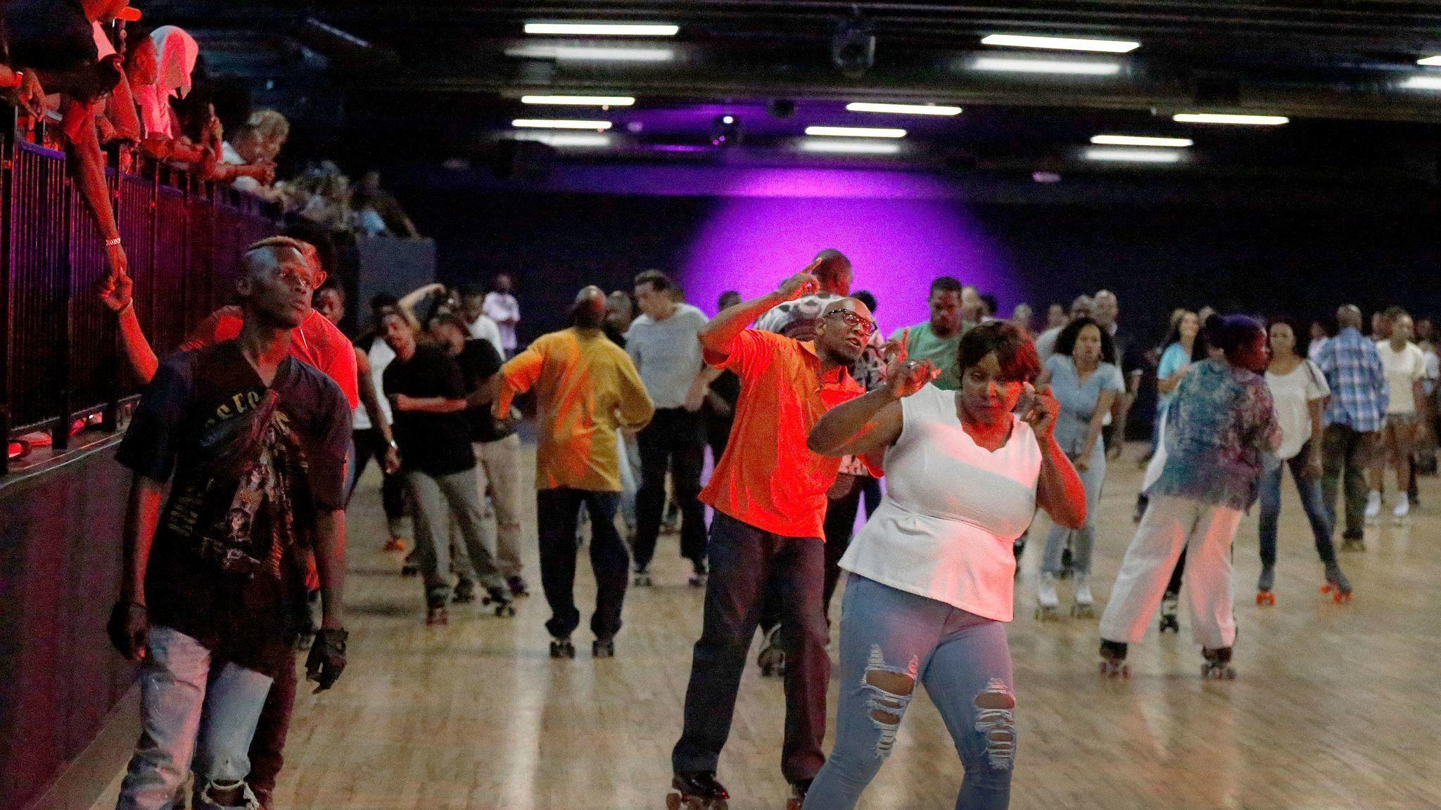Rapper Nipsey Hussle Helps Beloved Mid City Roller Rink World On Wheels Get Rolling Again City Roller Rapper Hollywood Clubs