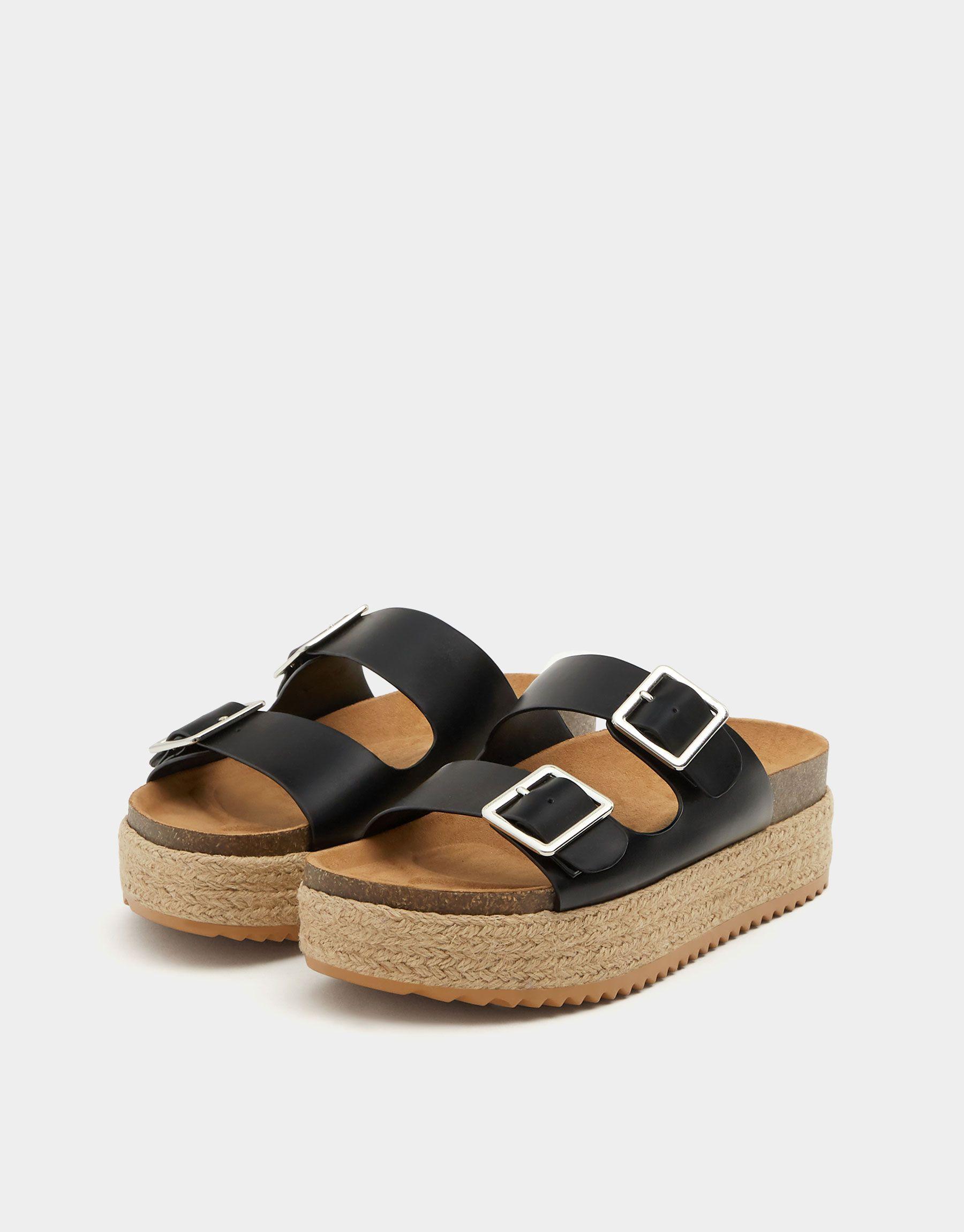 f1fb69bb Sandalia negra yute hebillas - Ver todo - Zapatos - Mujer - PULL&BEAR España