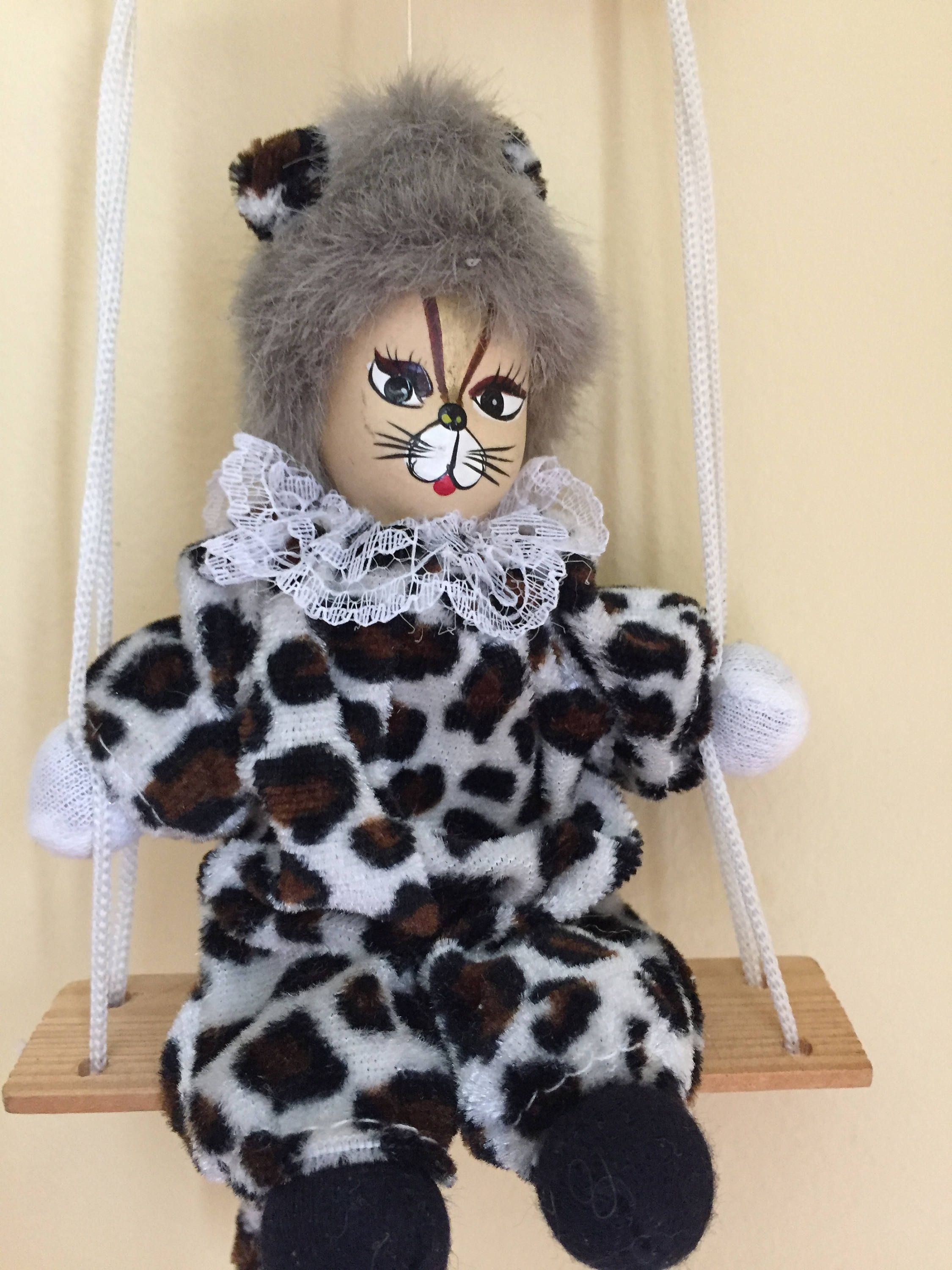 Vintage 1980\u0027s Cats The Broadway Musical Cat Doll on Swing