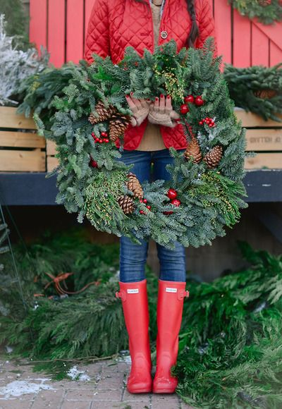 Such a cute picture - love the Hunter boots!
