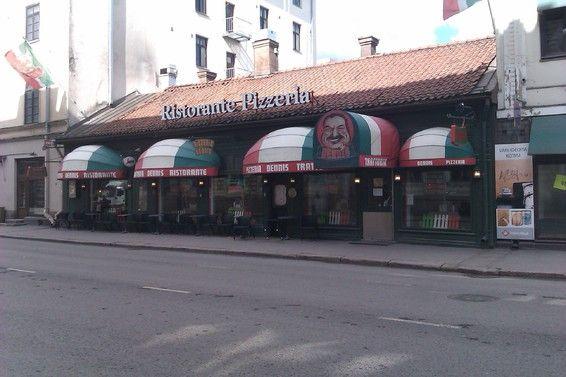 Denniksen pizzeria.