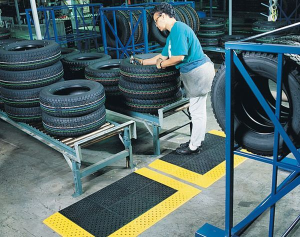 How To Make Rubber Mats From Recycled Tires Greendiary Greendiary Let S Go Green And Save The Environment For A Sustai Tyres Recycle Rubber Mat Recycling