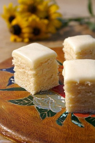 """:: Croatian """"White Pie,"""" though it's really a kind of torte with cookies and icing ::"""