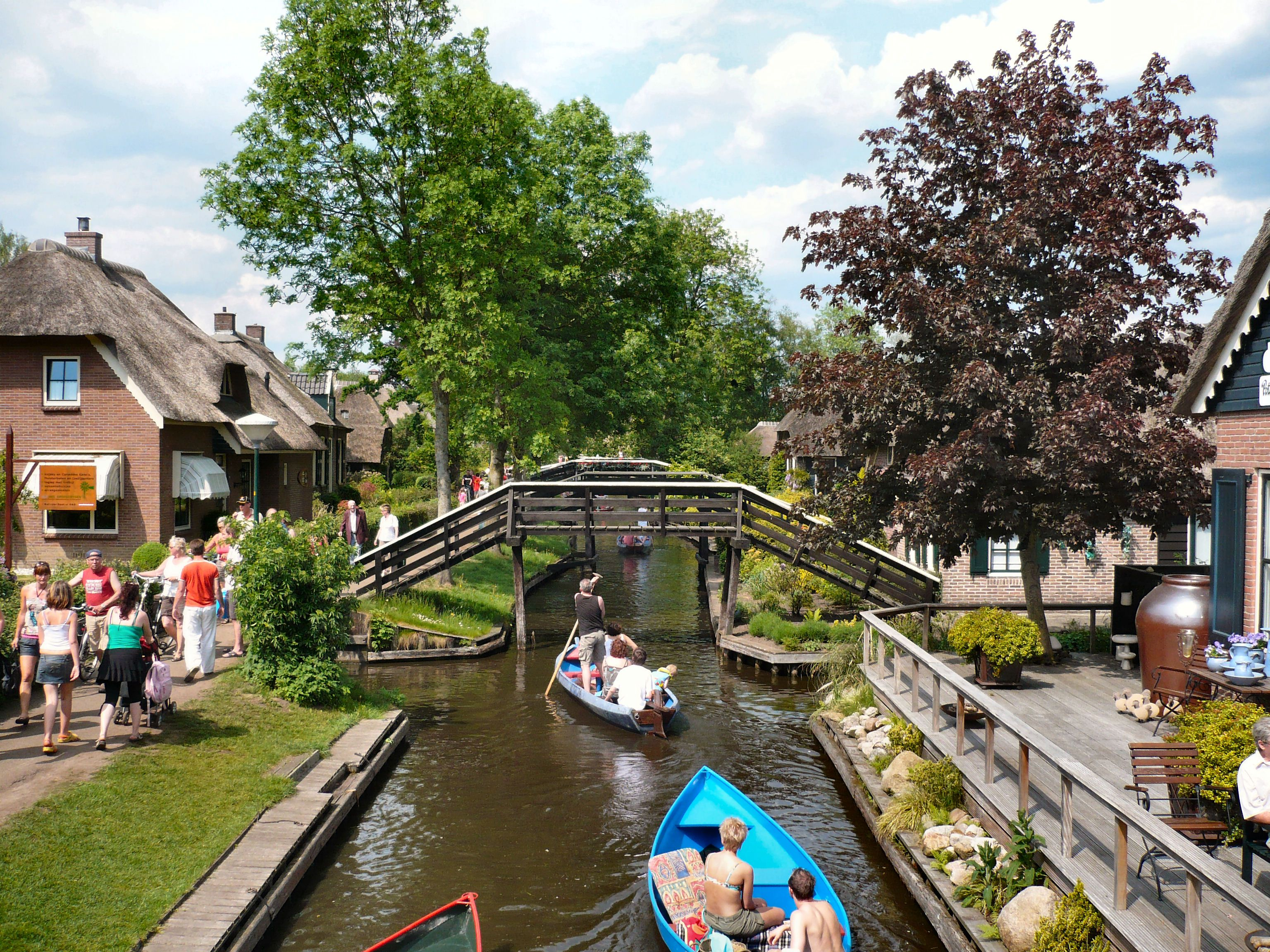 2 Most Beautiful Places In Europe Giethoorn Holland Giethoom Pinterest Holland