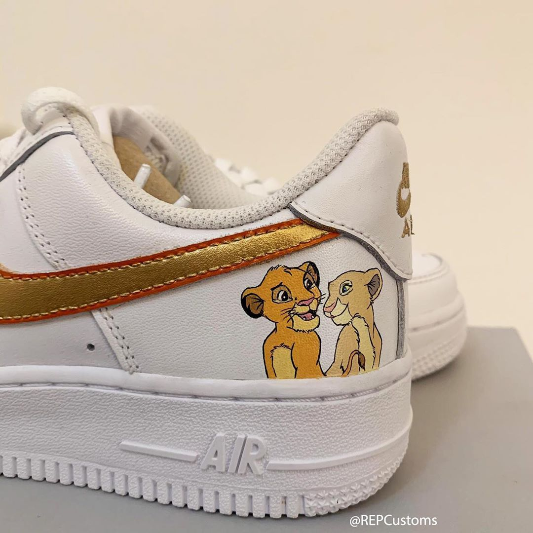 chaussure nike roi lion