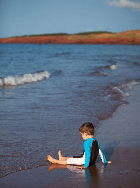 Head to the beach: how to experience Prince Edward Island like a true Islander via Canadian Traveller Magazine. Cavendish Beach.  #play #local #do #see #princeedwardisland #pei #explorepei #activities #swim #tour #travel #family #authentic #beach #recreation ©Tourism PEI / D. Brosha
