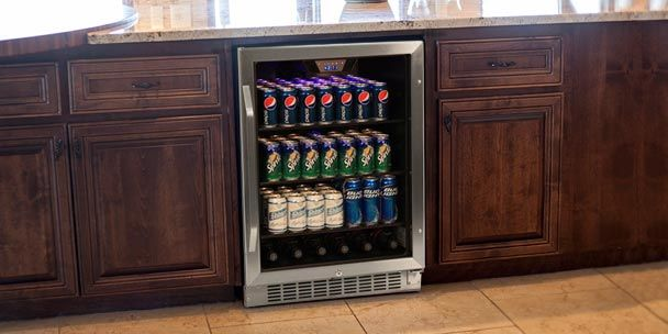 Let S Take A Closer Look At The Advantages And Disadvantages Of Two Common Types Of Beverage Ref In 2021 Beverage Refrigerator Built In Beverage Cooler Beverage Cooler