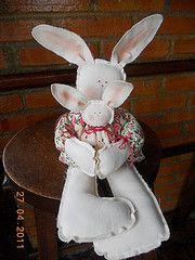 Mame Coelha sache (RL Arteiras) Tags: rabbit bunny country coelho filhote mame maternidade primitive pascoa primitivo coelhinho sache coelha quartobebe