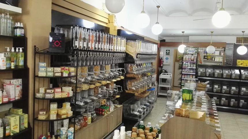 Dispensadores De Venta A Granel Gravity Bins Modelo 0001 Mostradores Tiendas Interiores De Tienda Diseño De Supermercado