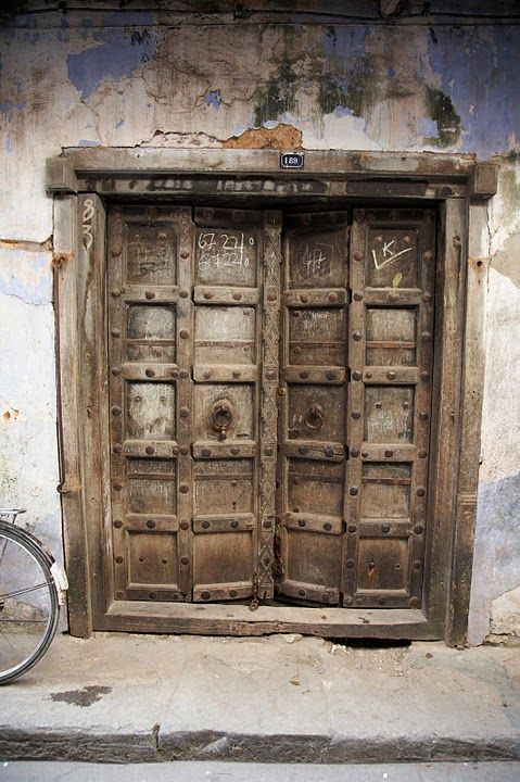Many amazing doors in Zanzibar. http://allafrica.com/stories ...
