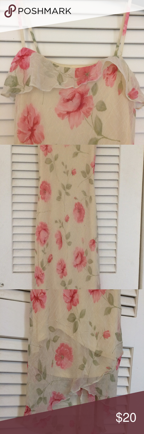 "Gorgeous Floral Dress! Size 3 This is an absolutely beautiful, lightweight, flowy dress!  Armpit to armpit: 14"" Waist: approx. 24"" Length down front: approx. 38"" Length down back: approx. 45"" Byer Too Dresses"