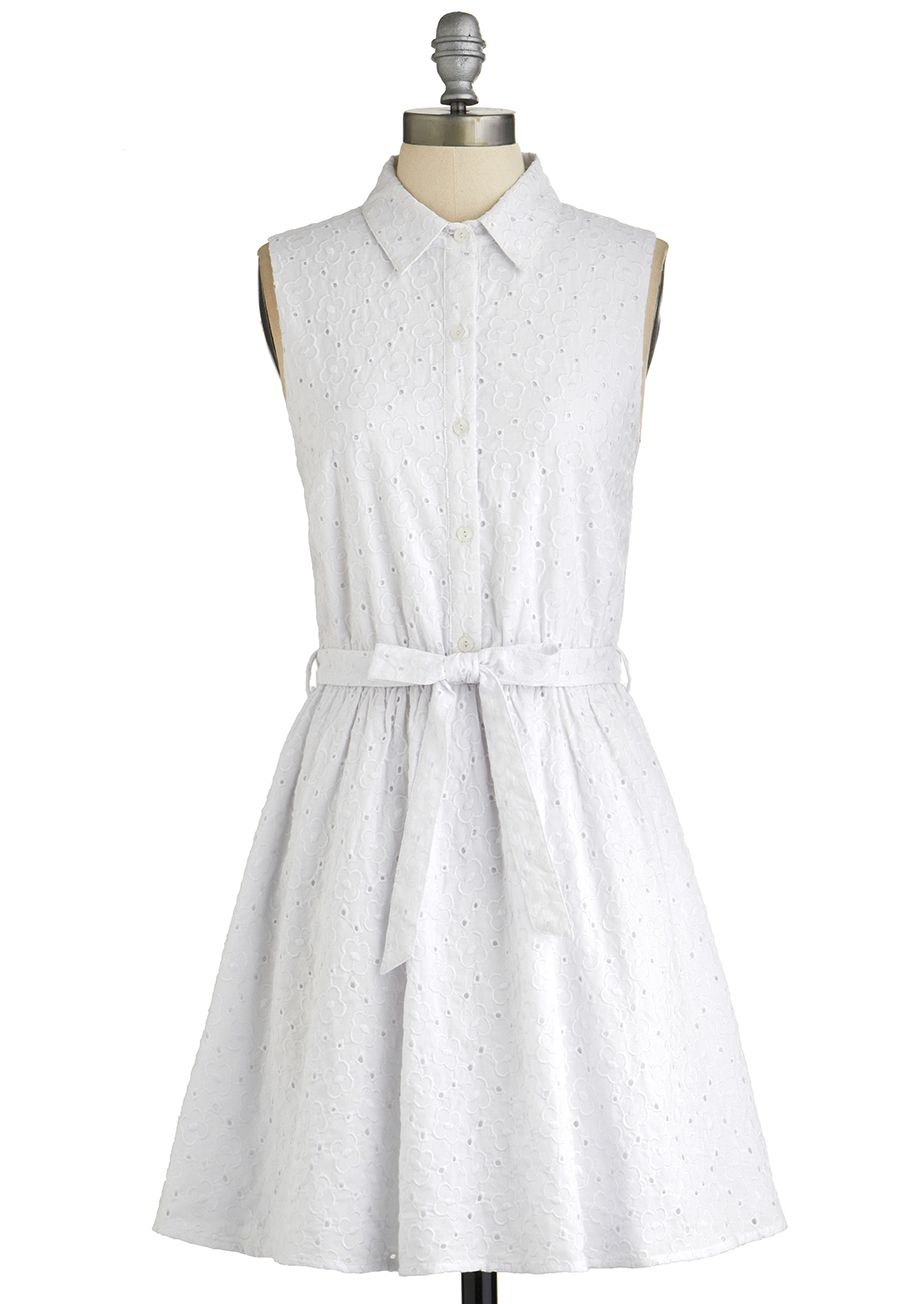 Fresh Field of Daisies Dress. Sometimes, you just need the smell of warm sunshine on trees or the feel of fresh grass underfoot. #white #modcloth