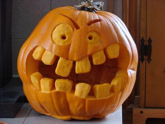 30+ Interesting Pumpkin Carving Ideas for Halloween - Gravetics #pumpkincarvingstencils
