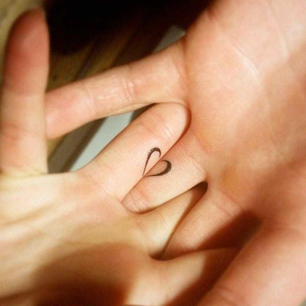 Tatuaggio piccolo di coppia