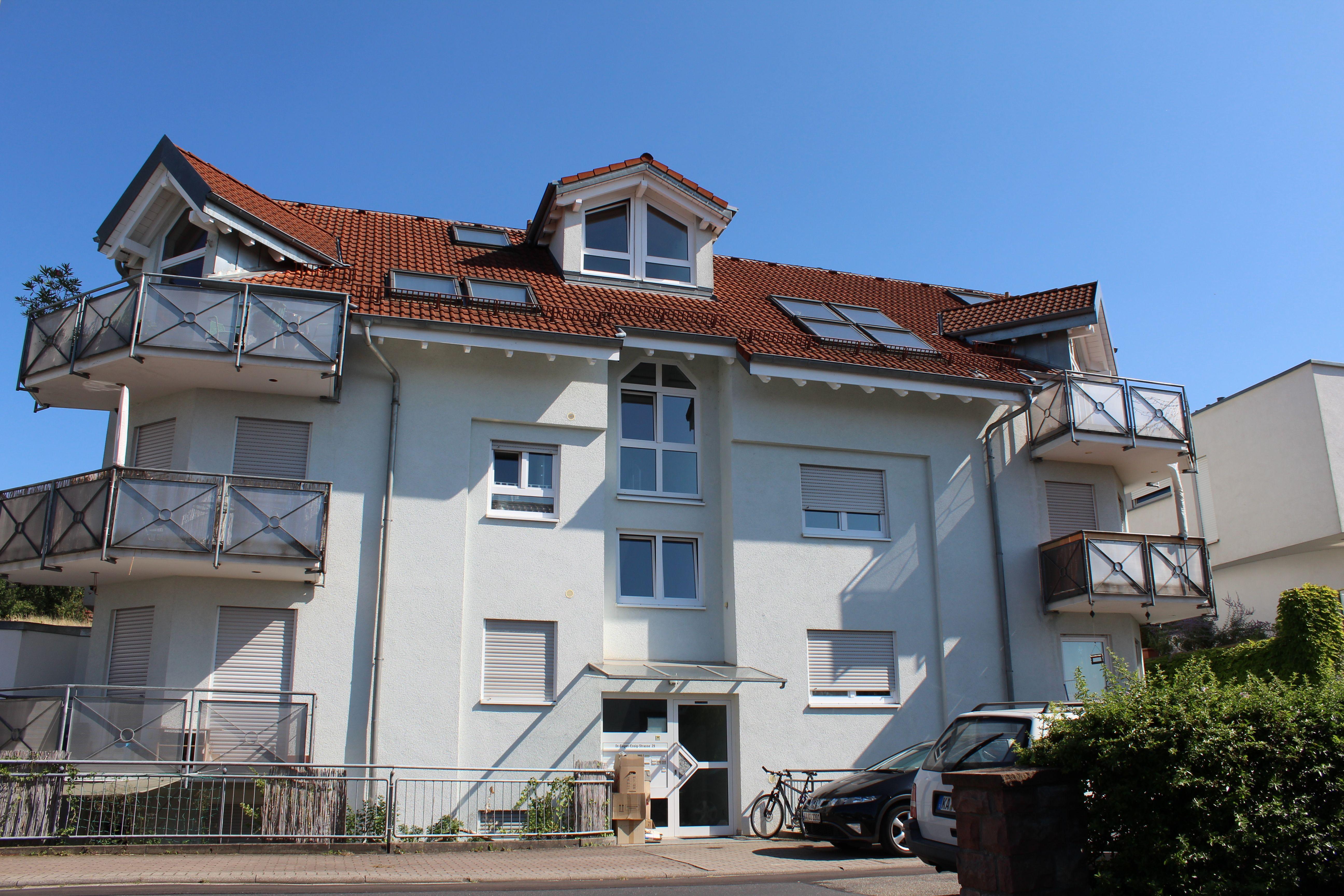 Neuwertige Wohnung in Malsch Straßenansicht 2 zimmer