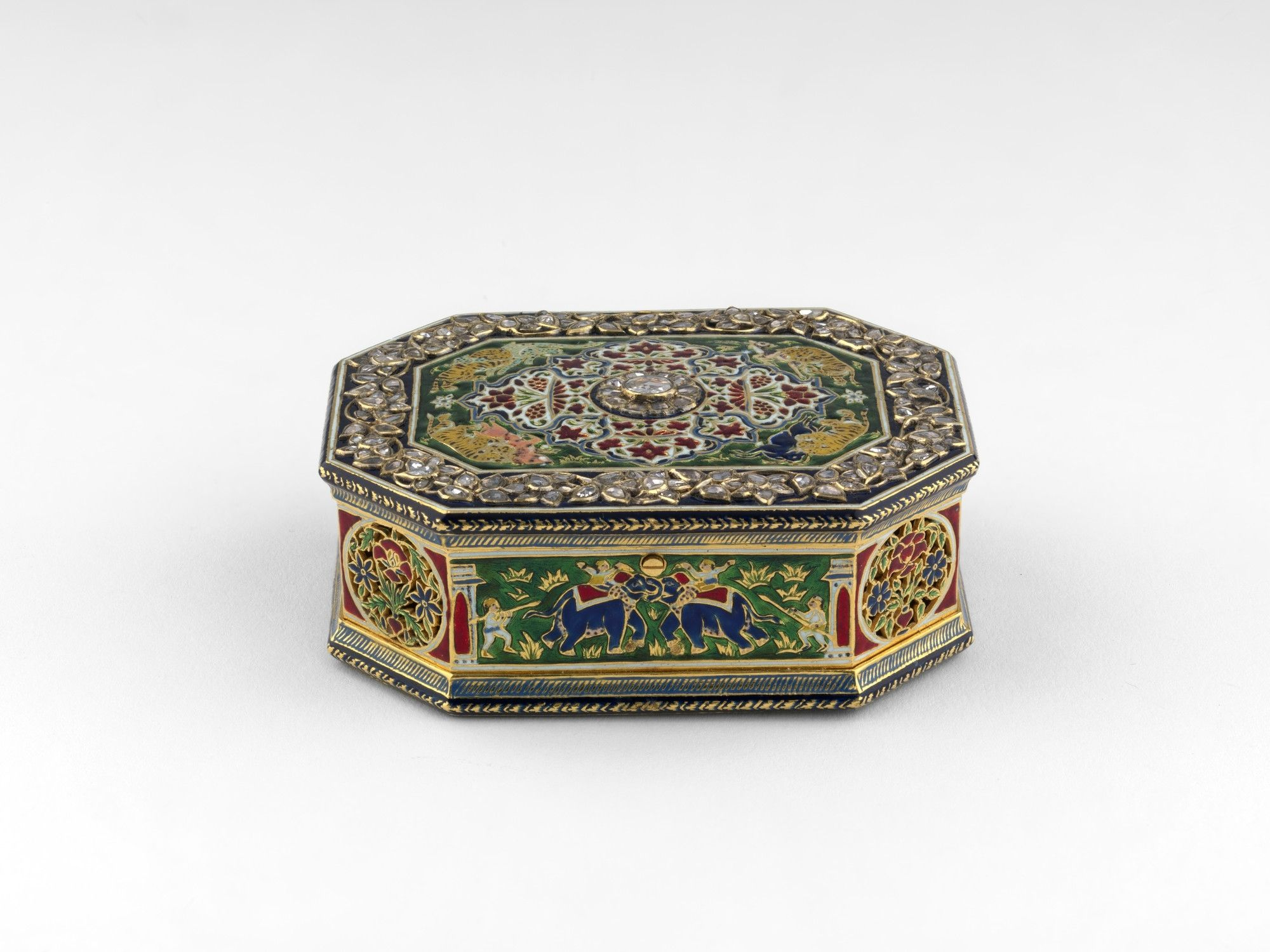 Glittering Treasures From The Indian Subcontinent Go On Display In Scotland Cosmetic Box Royal Collection Trust Glass Mirror
