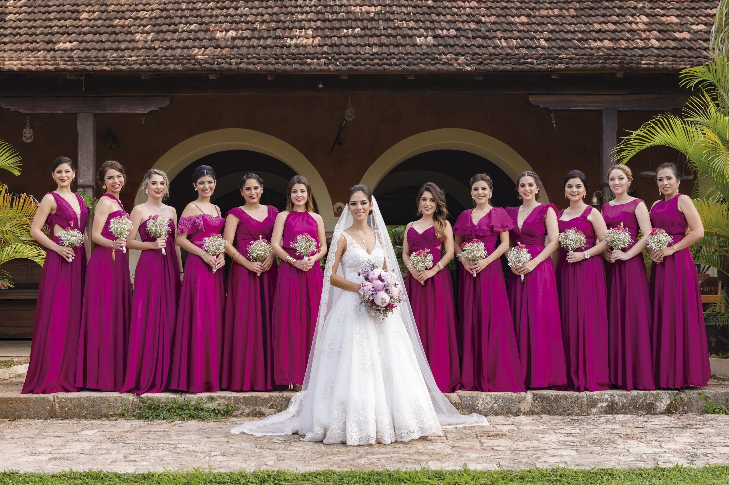 Elegir El Color Para Los Vestidos De Tus Damas Puede Ser