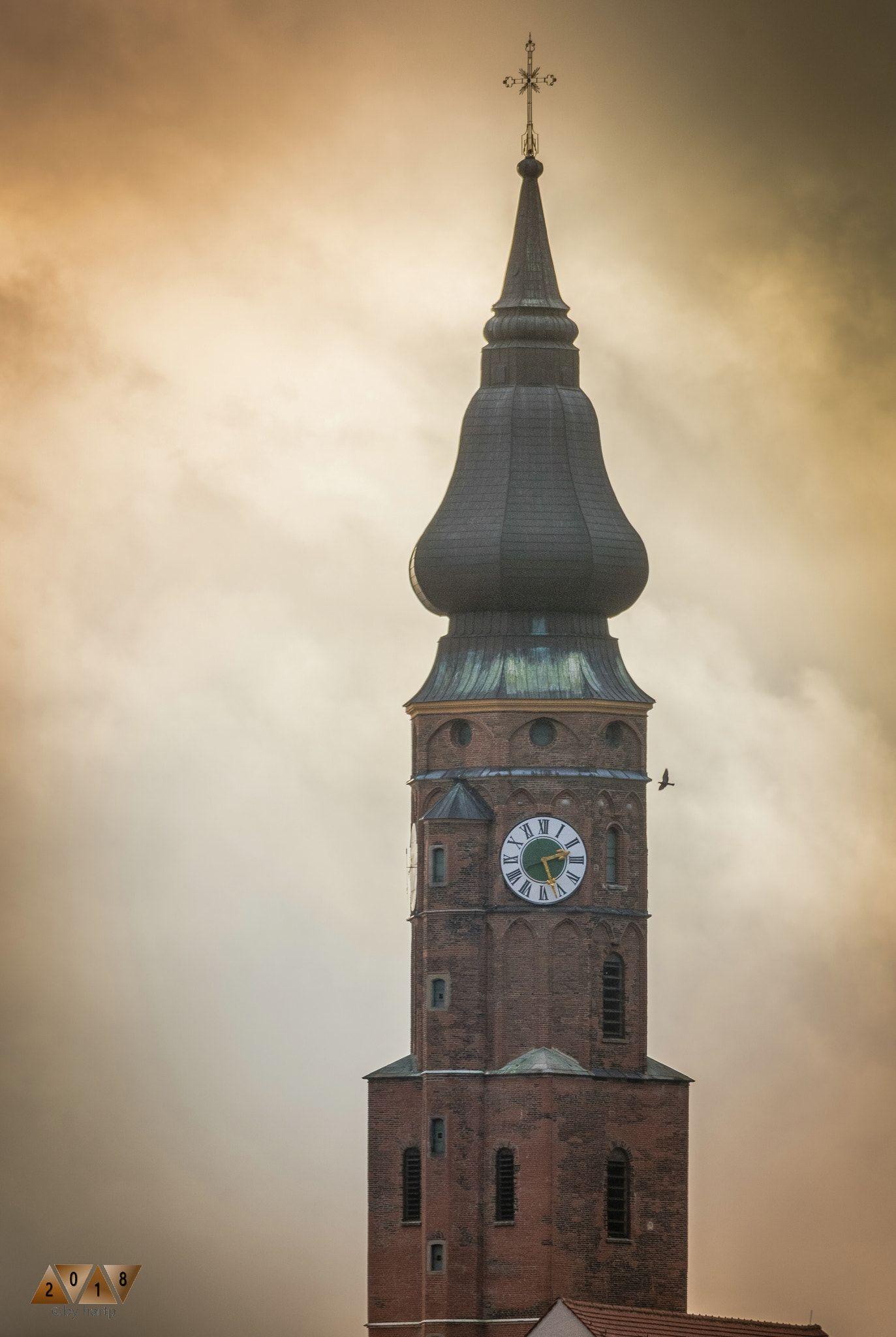 Gewaltig Der Turm Der Basilika St Jakob In Straubing Turm