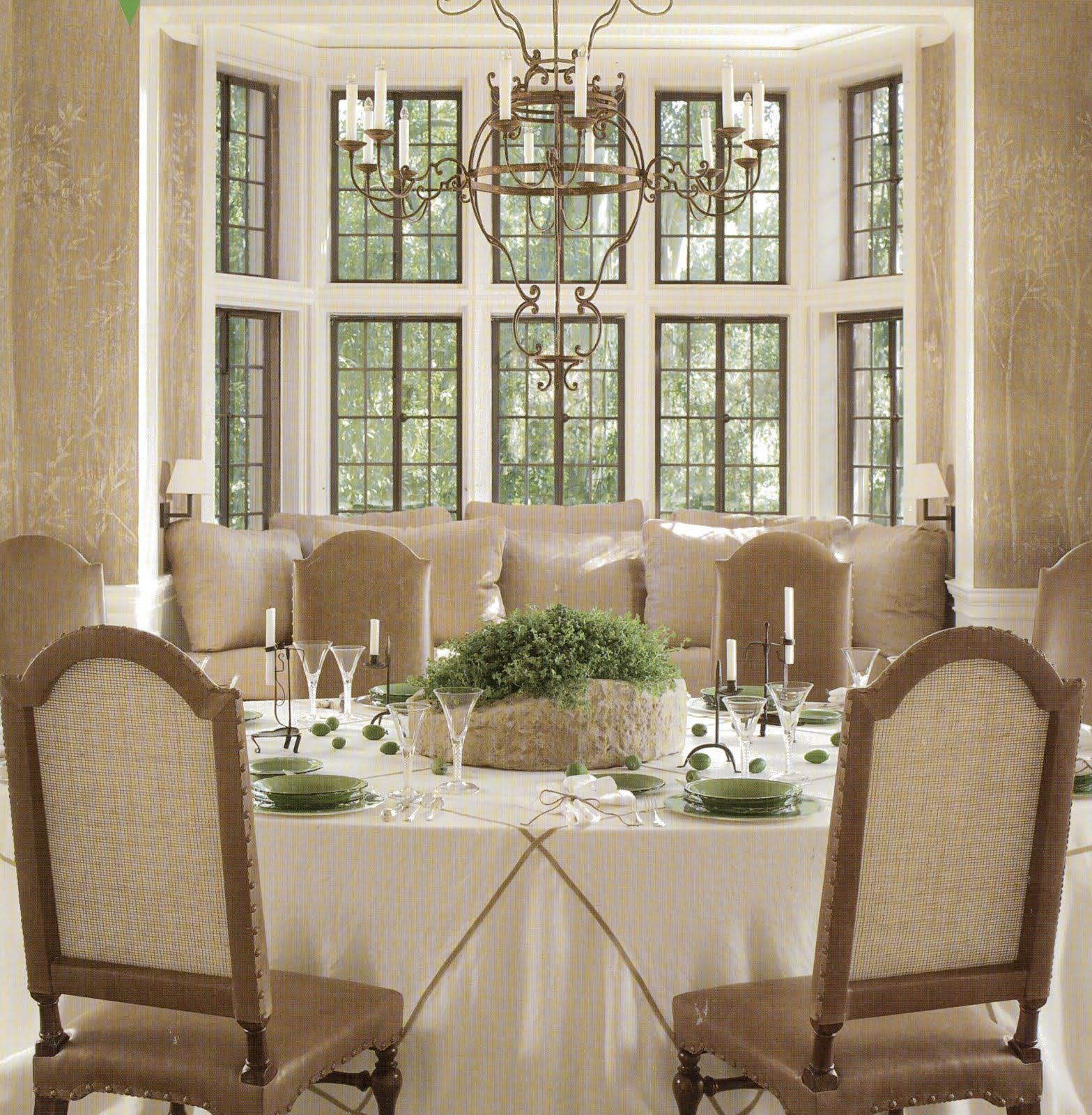 I Love The Bay Window In The Dining Room I Would Change Everything Else Dining Room Windows Formal Dining Room Luxury Dining Room