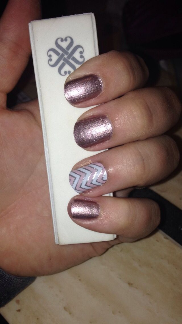 Jamberry Rose Gold Sparkle and Rose Quartz Chevron Accent Nail ...