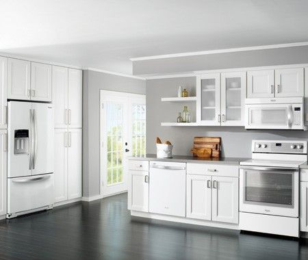 Inside 5 Of The East Coast 39 S Most Charming Homes White Appliances Kitchen White And Photo
