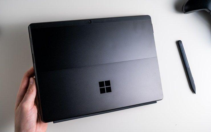 Microsoft Surface Pro X Test Das Beste Tablet Das Du Nicht Kaufen Solltest Computer Hardware Tablet Laptop Laptop Computers