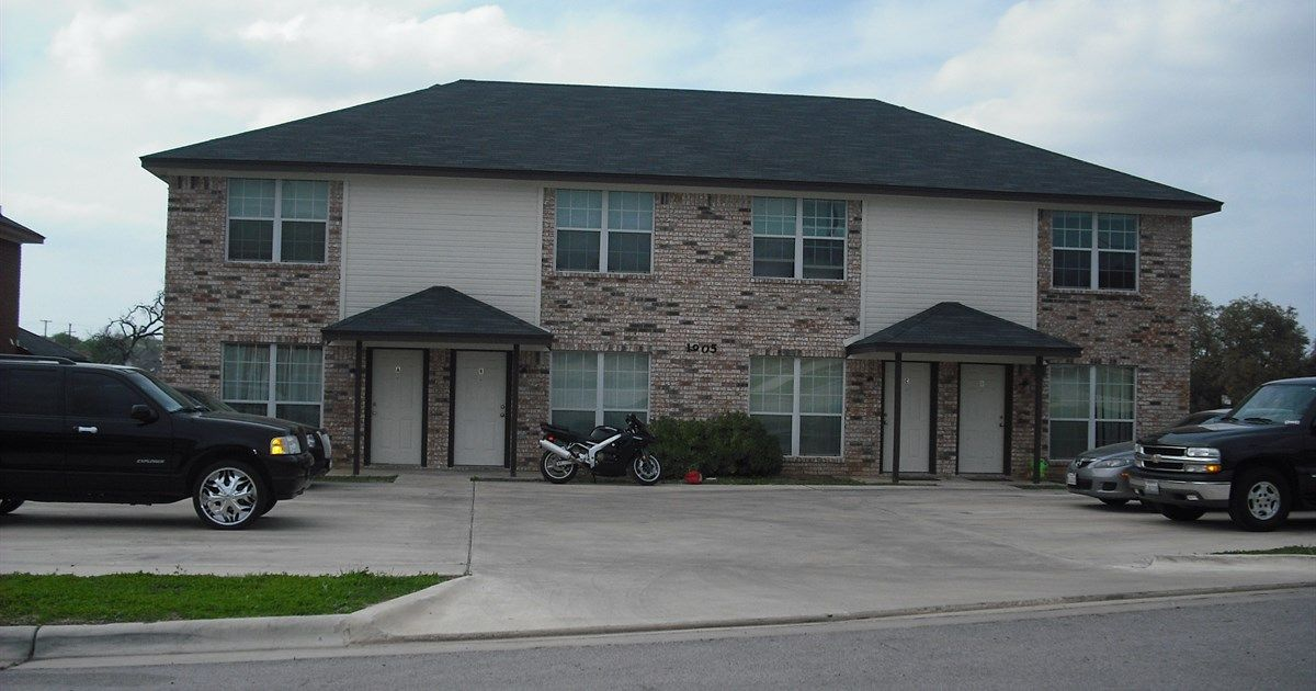 3801 El Paso Killeen Tx 76542 2 Beds 2 Baths 1235 Sq Ft For More Information Contact Karen Doerbaum Lo Fort Hood Housing Renting A House Rental Property
