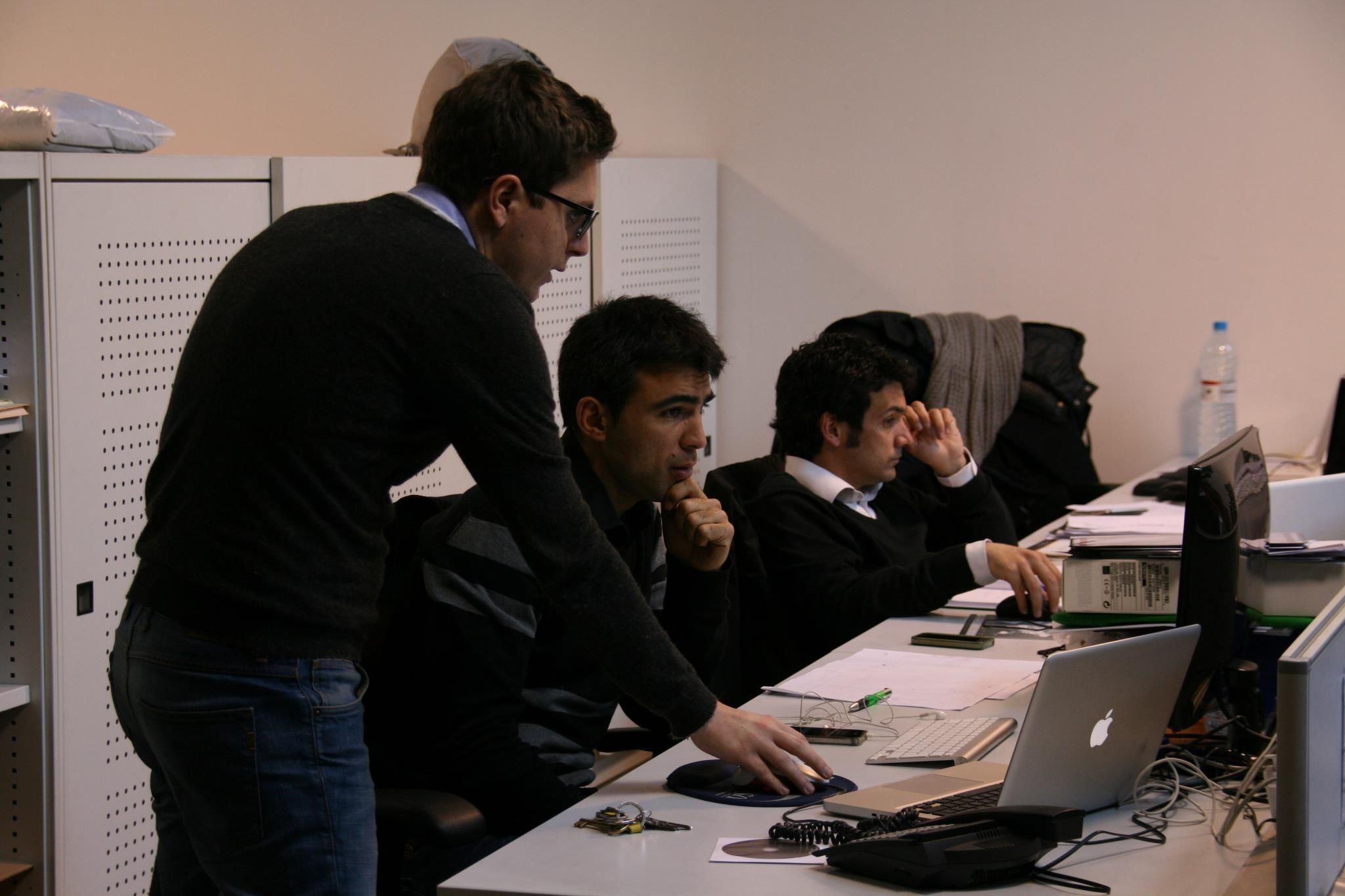 Dani Cordoba @danics86, departamento creativo, y Jordi Rius #jriusbcn en plena producción