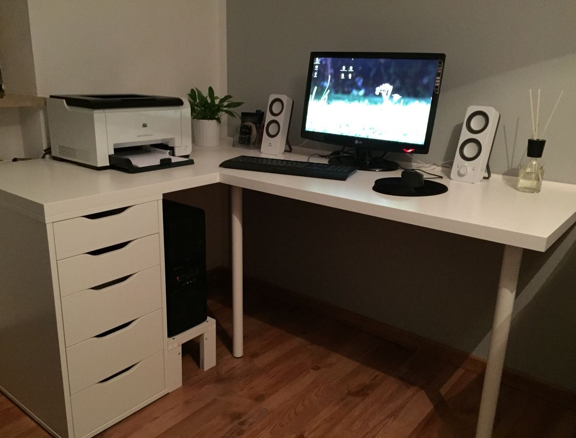 selbstgebauter schreibtisch von ikea schreibtisch von ikea. Black Bedroom Furniture Sets. Home Design Ideas