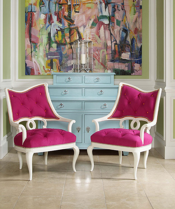 ❤ these Pink chairs in this entrance area ..