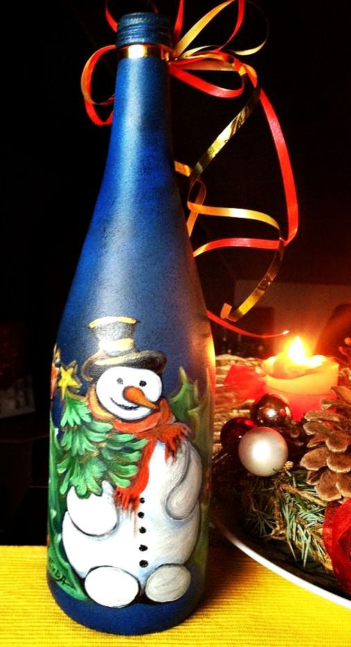 Christmas gifts decorated bottle of wine hand painted for How to paint bottles with acrylic